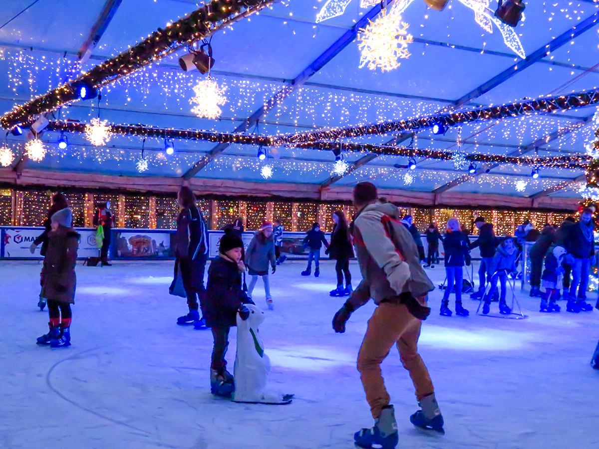 Onze ijsbanen: de topattractie op elke kerstmarkt
