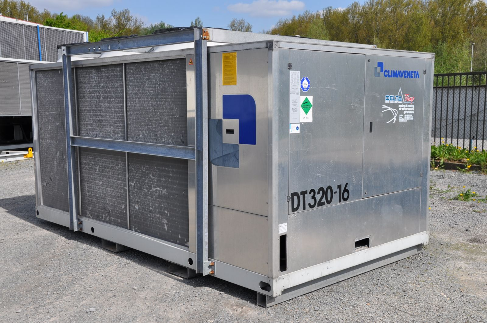 Climate control for loading dock in food company