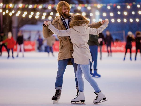 Eisbahn mieten für den Winterspaß title=