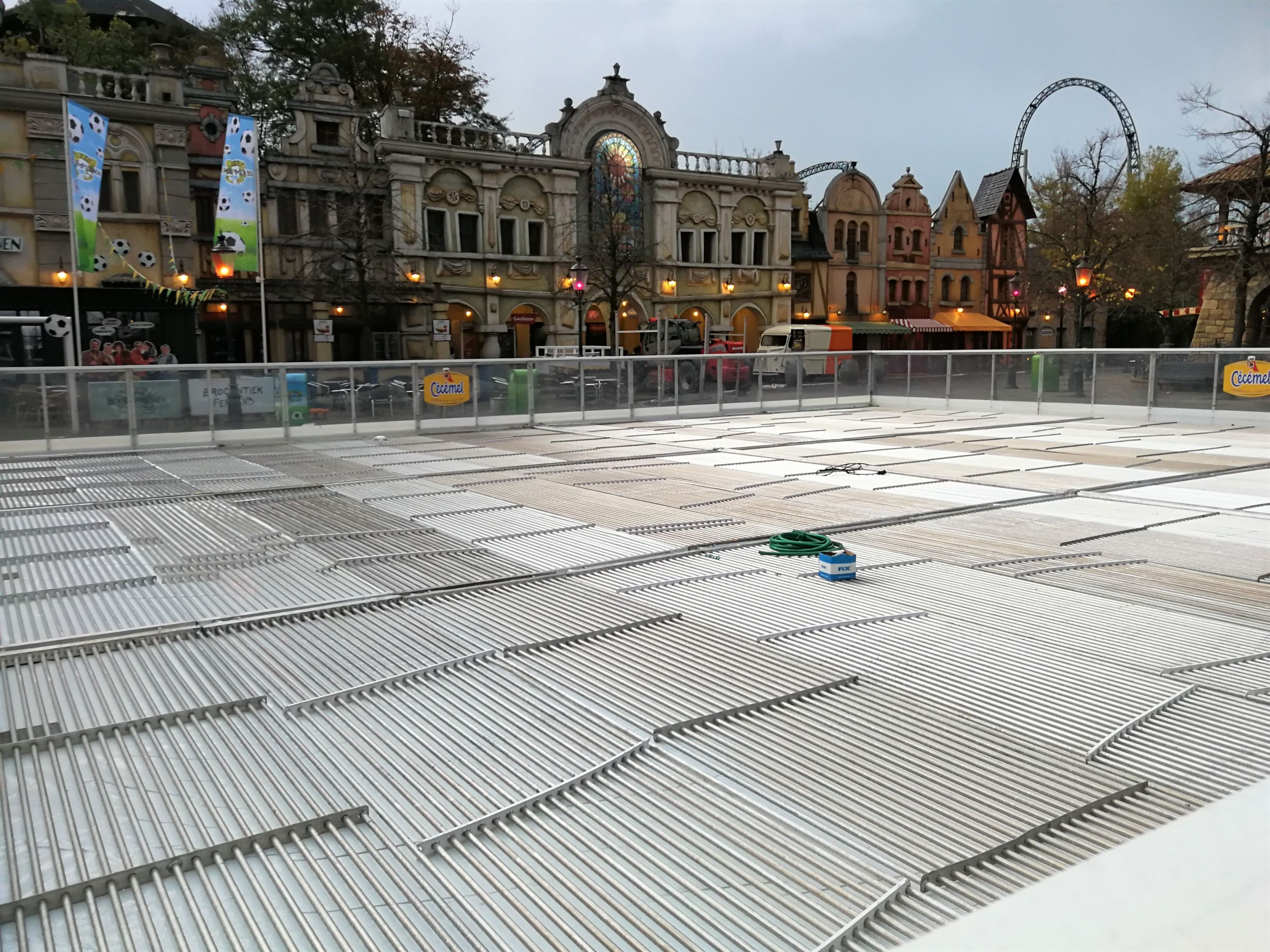The ice rink builders are back!